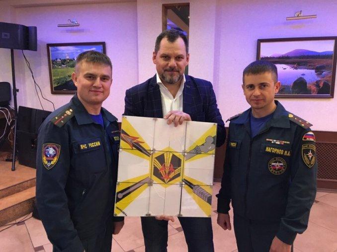 Спасательный центр МЧС России - место, где можно показывать, самые опасные фокусы.