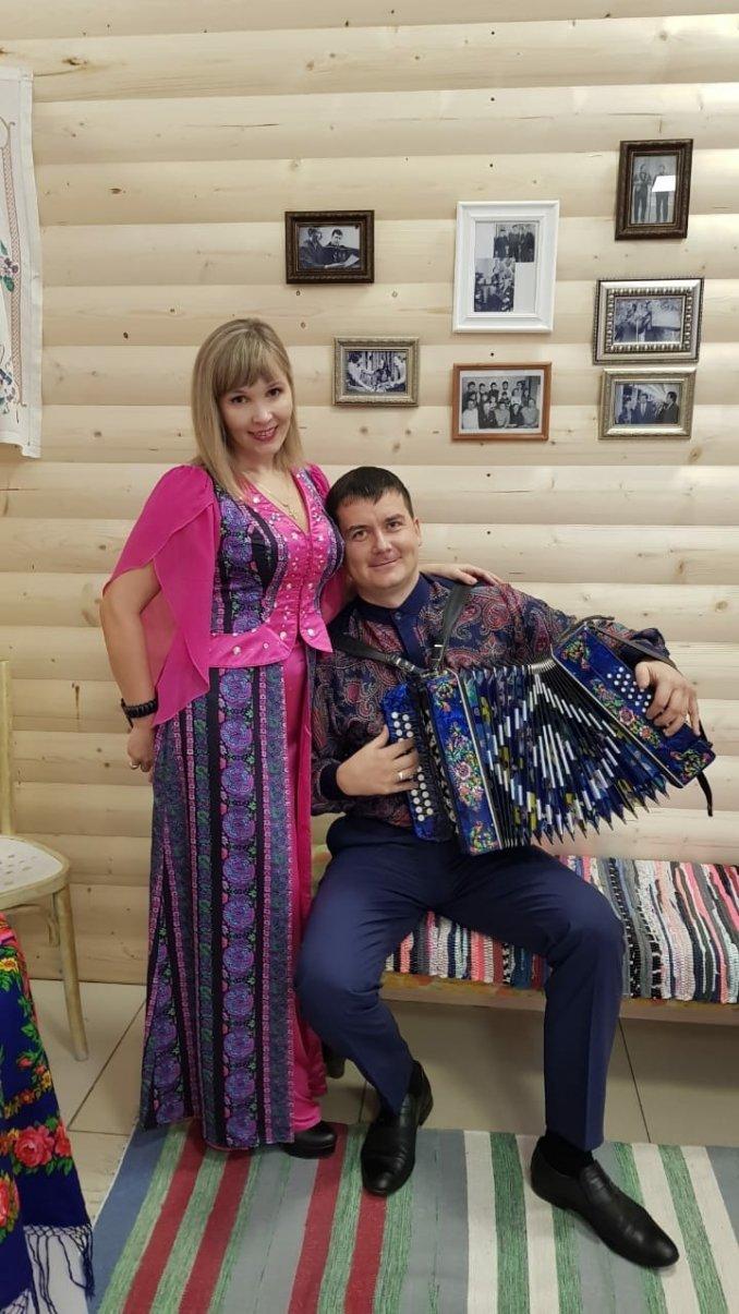 """Семейный дуэт """"ИвАноВ ЦвеТ"""""""