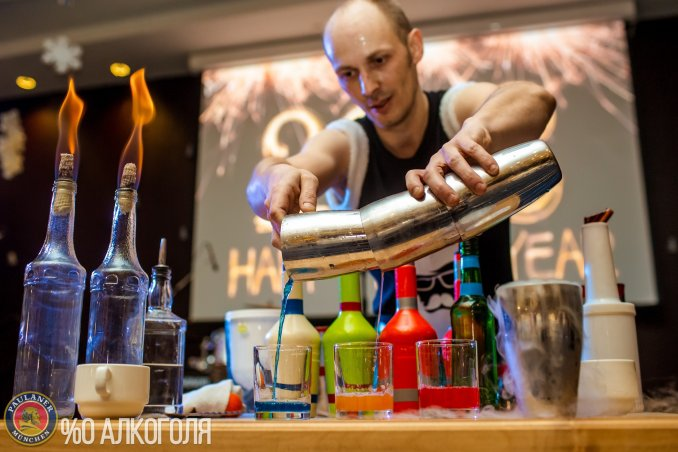 бармен-шоу Алекс