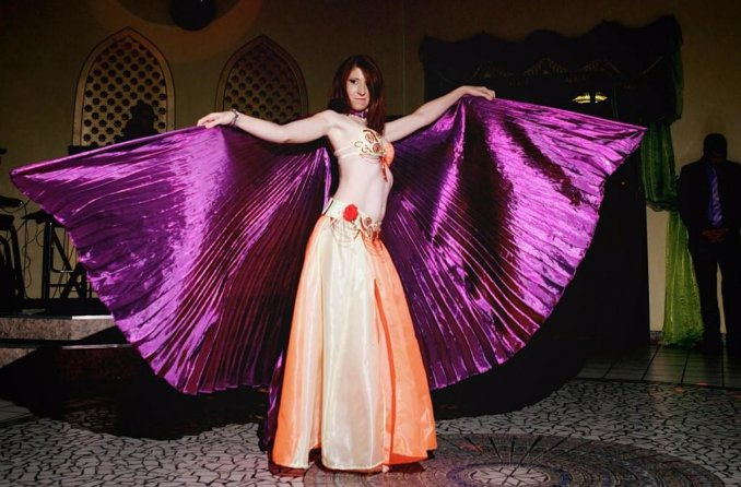 Танец с фиолетовыми крыльями
