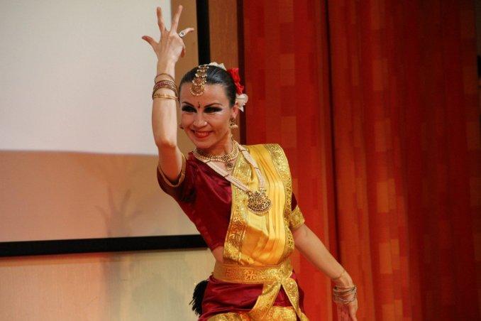 Индийский танец - Janeshvary