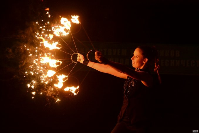Огненное шоу Прия