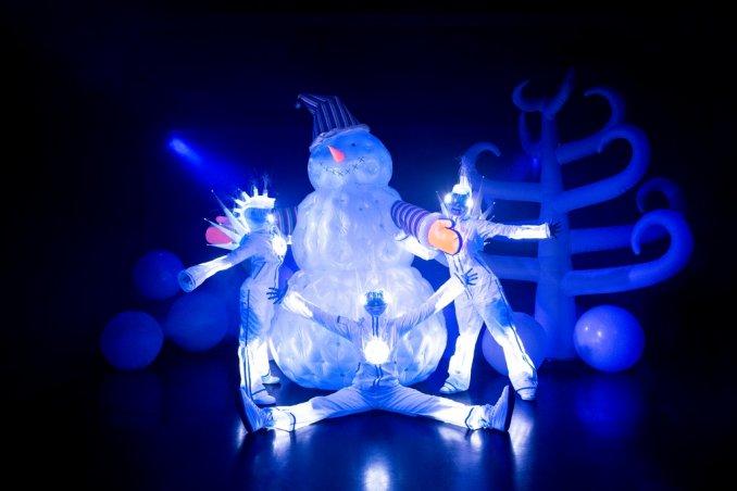 Белая королева  и Снеговик - новогоднее представление
