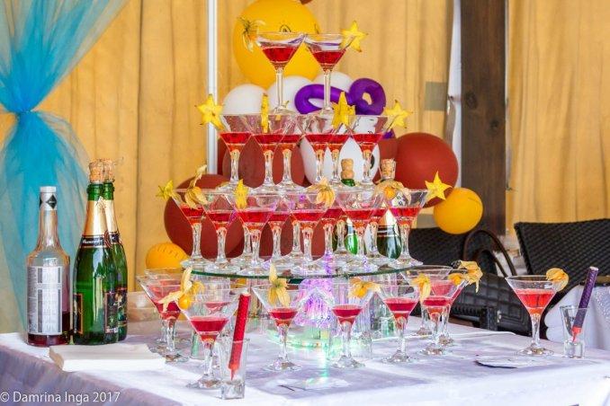 Бармен шоу, горка шампанского на свадебной выставке