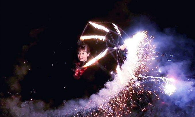 Огненное-пиротехнический зонтик