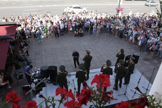 Сольный концерт на Невском проспекте