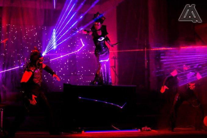 Уникальное сочетание лазерного, танцевального и светового шоу для наших самых искушенных зрителей!