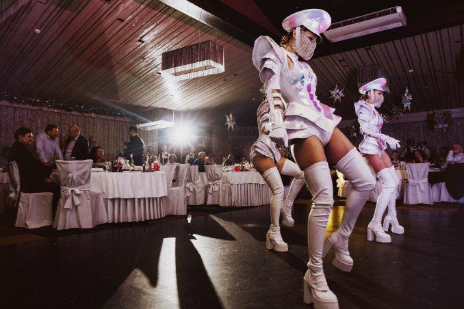 Световое шоу Lets Go Show, Номер White Diamond