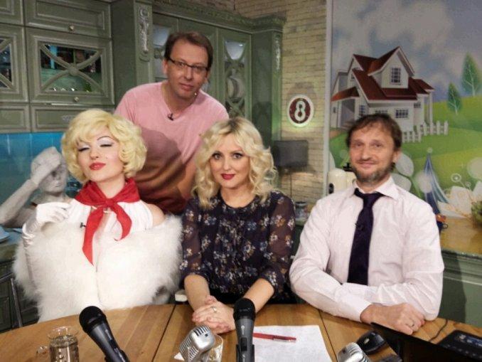 """Двойник Монро на 8 тв канале """"Пионерское шоу"""""""