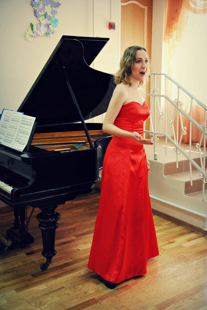 Благотворительный концерт. Выступление Марии Кочубей