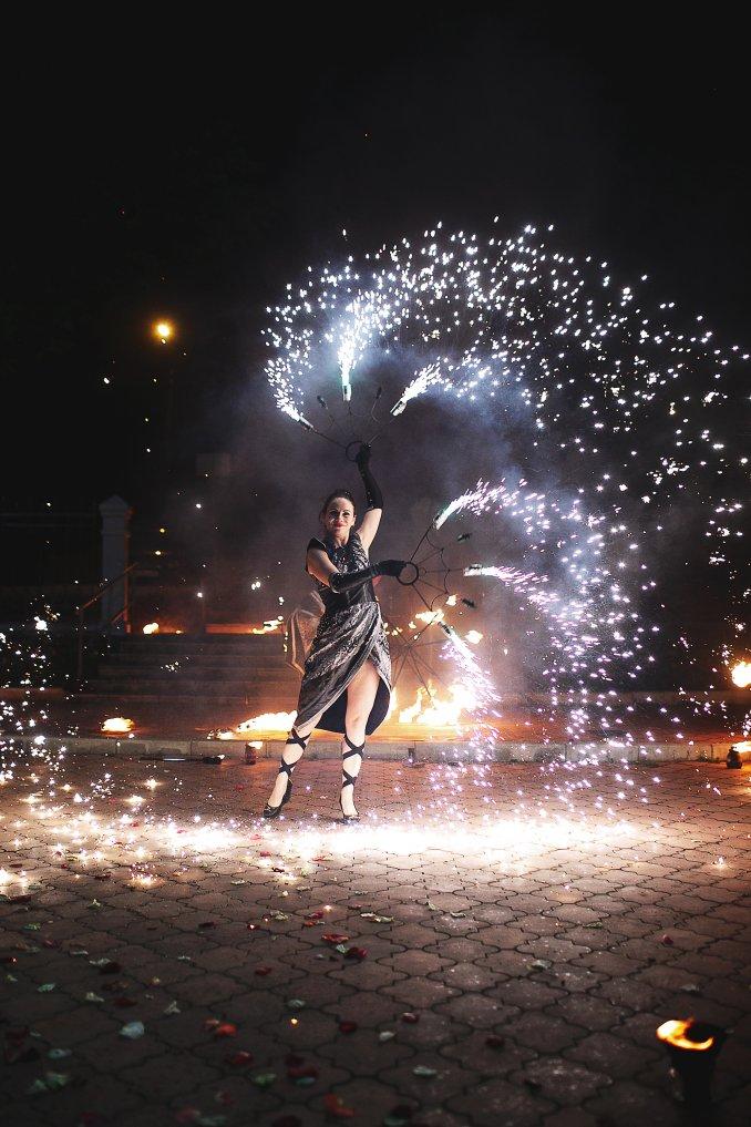 Show Hanabi (fire show, pixel show)