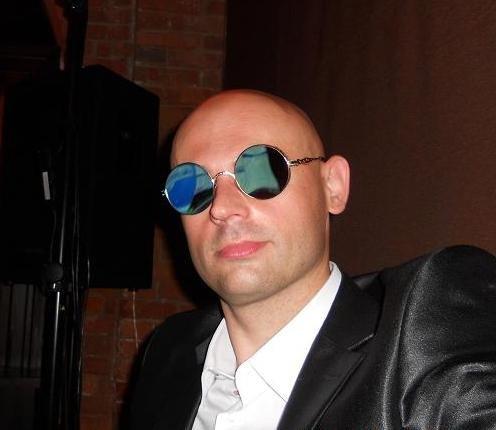Известный в Латвии артист, диджей, ведущий Влад (Просто радио)