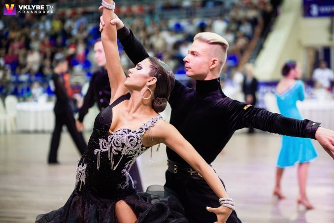 Шоу бально-спортивных танцев