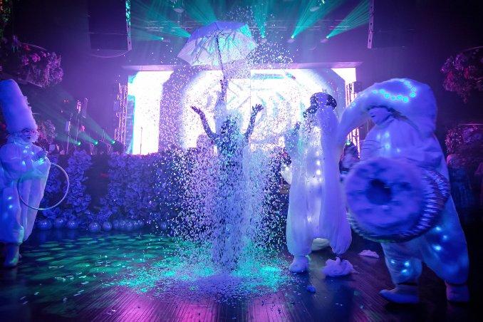 Event Канцелярия (снежное шоу, бумажное шоу, перфоманс шоу)