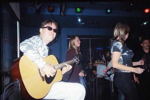 Гитарист Алексей Ладыгин