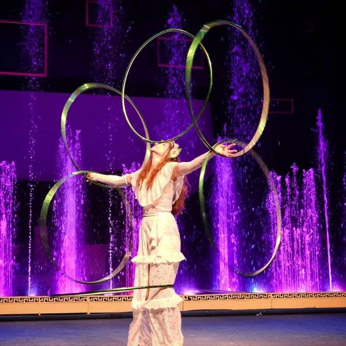kupalinka - hula hoop act