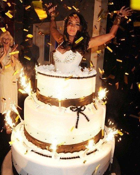 Танец из торта