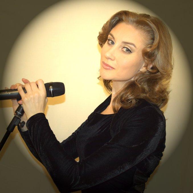 Эстрадно-джазовая певица Виктория