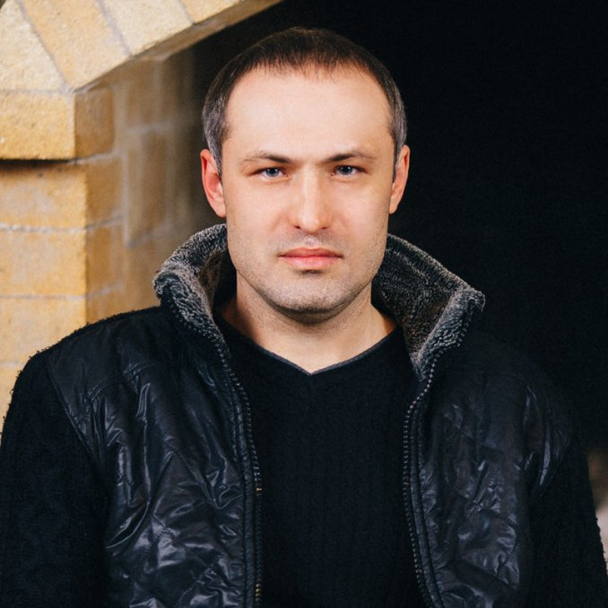 Михаил Борисов
