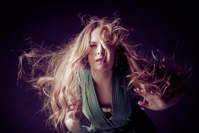 Юля Панфилова - эстрадно-джазовая певица