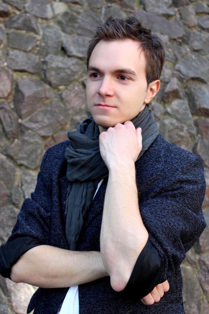 Ведущий, певец Яков Самодуров на ваш праздник, торжество.