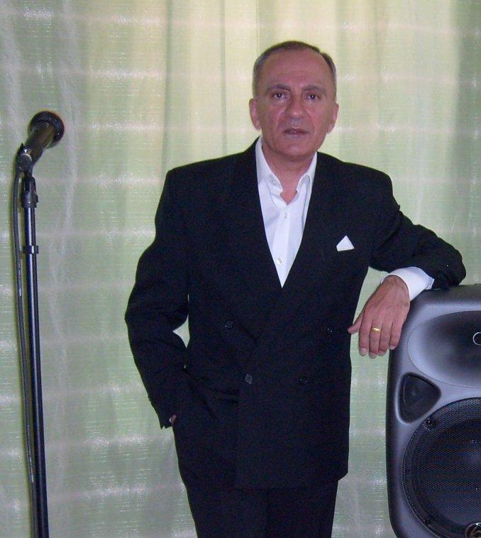 Певец-музыкант  ЮРИЙ КАТРИЧЕНКО. На любые торжества.