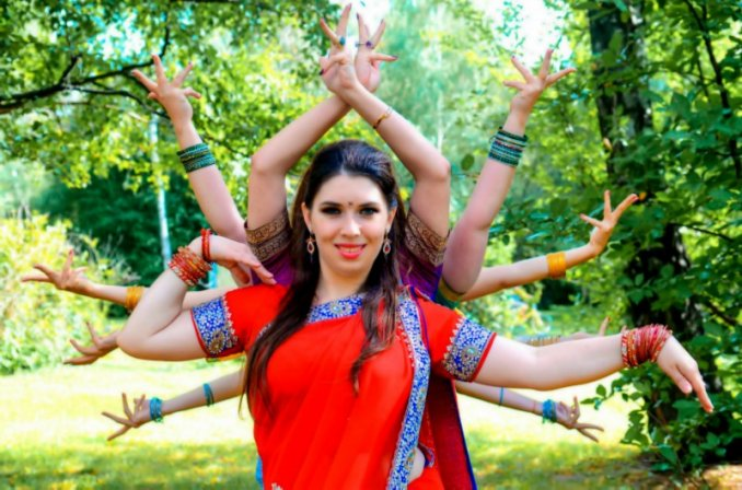 "Индийские танцы ""Amritsar Project"" (Москва)"