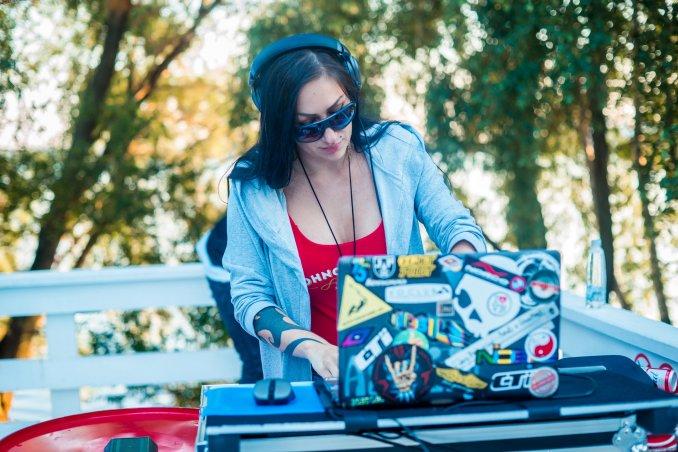DJ Keira Strong