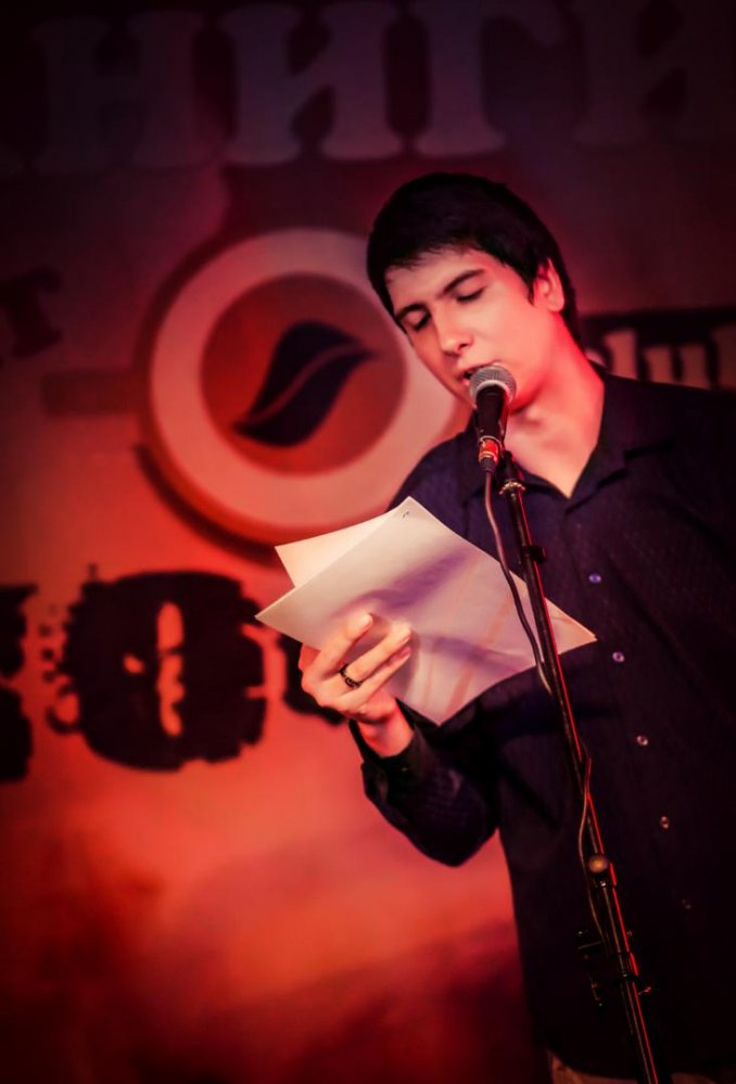 Писатель-сатирик Антон Тарасов