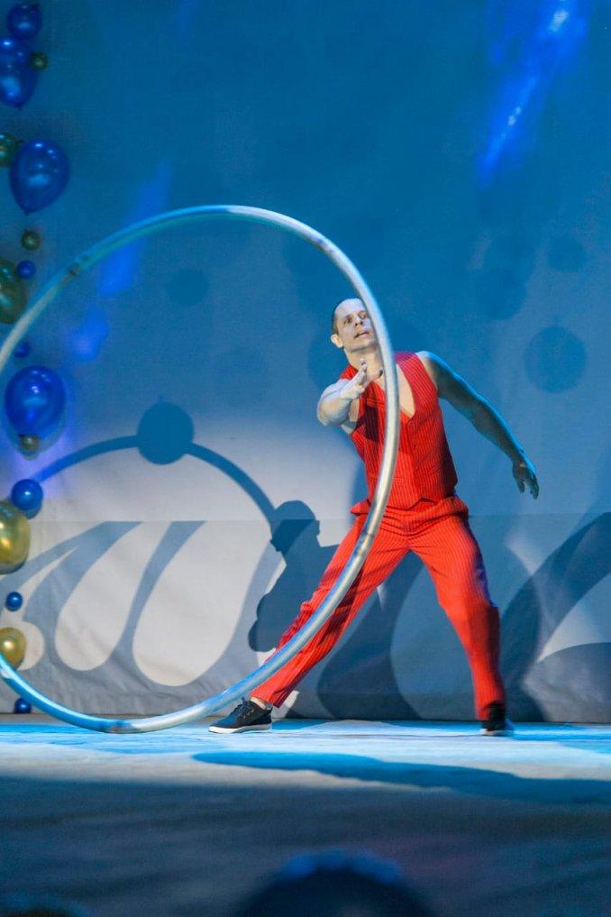 CRAZY STILTS - Танцевально-акробатический дуэт НА ХОДУЛЯХ и КВАДРОРОЛИКАХ!