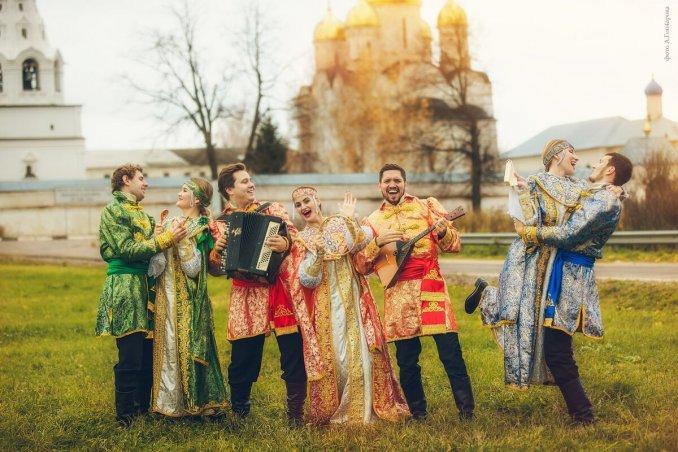 """Moscow folk ensemble """"Lubo-Milo"""""""