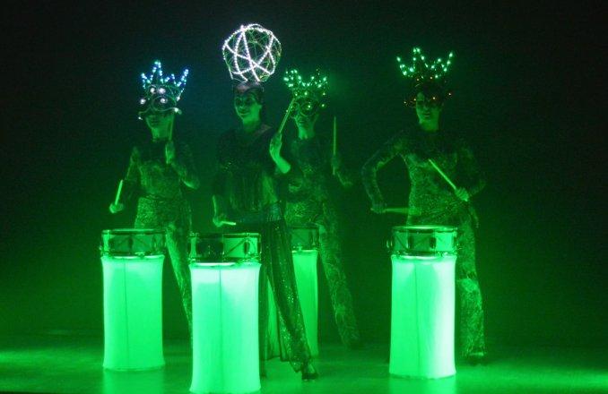 LUXURY drum show