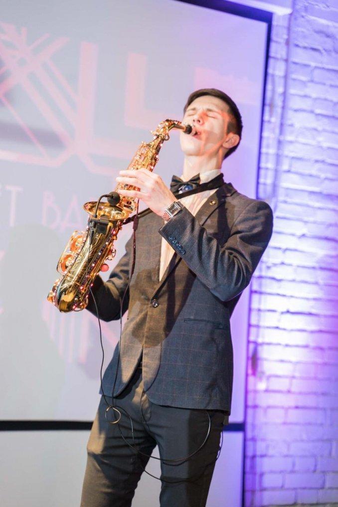 Музыкант Саксофонист Живая музыка на мероприятие Свадьбу Юбилей